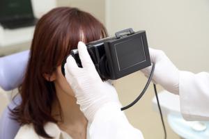 なかじまクリニック 赤外線CCD眼振検査器